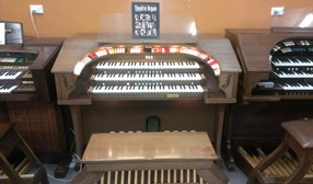 RODGERS TRIO ORGAN MODEL 321B